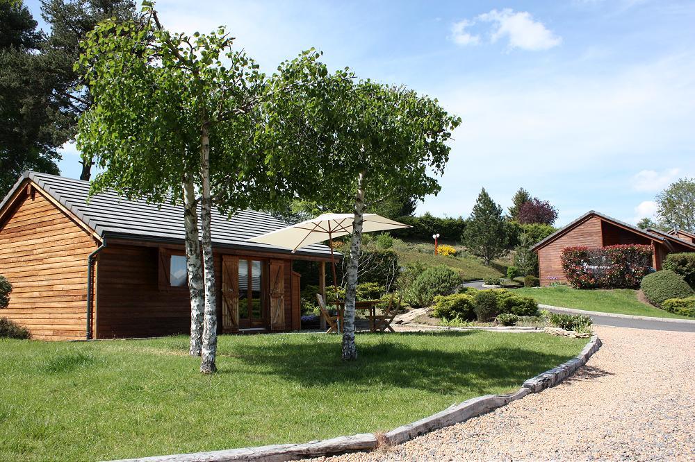 dans le Puy de dôme proche de Clermont-Ferrand à coté du camping et pres du Puy de dome Camping au lac Aydat 63 Puy de Dôme Auvergne