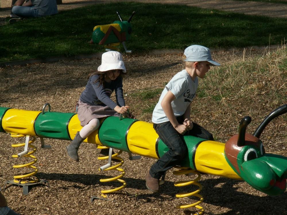 Aire de jeux pour les petits à 3 minutes de votre location gîte Auvergne