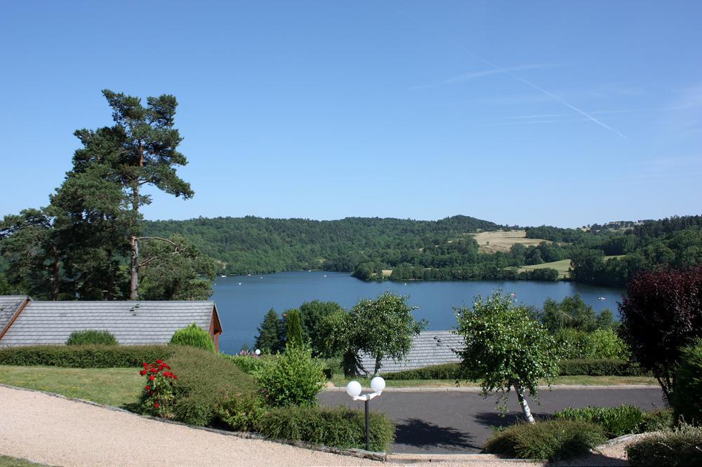 location chalet Puy de Dôme avec une vue sur lac Aydat