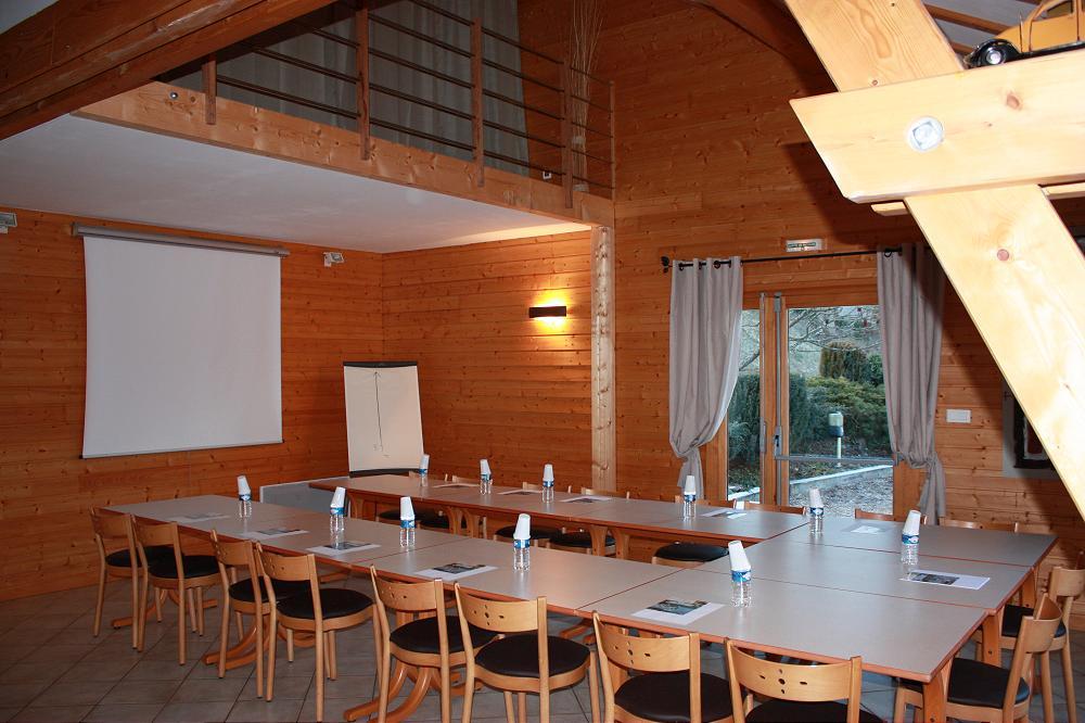 Pour les groupes grand gîte de groupe à Aydat en Auvergne 63 puy-de-dome